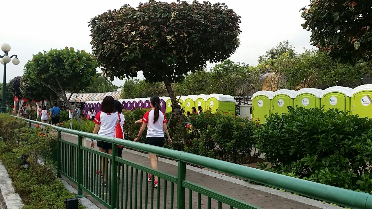 Qool Enviro portable toilet in hello kitty run 234531