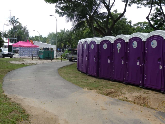 qool enviro portable toilets in the music run 2015 5